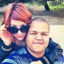 ... Eddie Frencher, con el que vive en un pequeño apartamento de un barrio de Los Ángeles. Isabella y Eddie, de 24 años, hicieron público su noviazgo hace ... - isabella-cruise-novio--a
