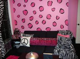 Cute Girl Room Ideas Amusing Girls Room With Art Painting Wall - Little girls bedroom paint ideas