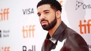 Rapper Drake mietet ganzes Baseball ...
