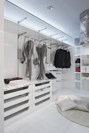 Begehbarer Kleiderschrank - Der Inbegriff von Luxus