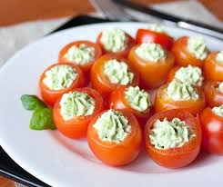 christmas-party-finger-food-cherry-tomatoes-ideas