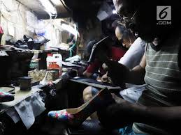 In 2010, sampoerna held an overall market share of 29.1% of the indonesian cigarette market and retained the number one market share position. Hm Sampoerna Ajak Masyarakat Mulai Bangun Usaha Bisnis Liputan6 Com
