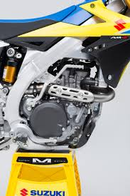 2018 suzuki rm 450.  450 new 449cc liquidcooled 4stroke 4valve dohc engine is the latest  incarnation of suzukiu0027s proven and reliable fuelinjected powerplant on 2018 suzuki rm 450 d