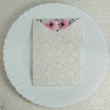 Posh Round Flower Shimmer Textured Paper Cheap Winter Wedding Invitations 7x5 Sngv07