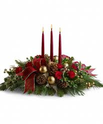 Decorations. Green Red And Gold Theme Color Of Floral Centerpiece  Arrangement For Christmas Table Decoration