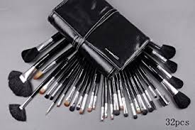 m a c 32 piece numbered brush set with leather case