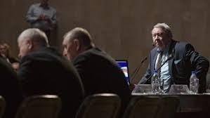 Медведев хочет оцифровать все диссертации в РФ с советских времен  Общее собрание РАН перенесло выборы главы академии на осень
