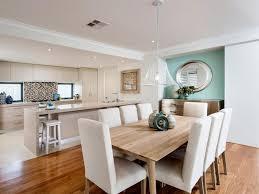 Weiße Offene Konzept Küche Und Esszimmer Mit Stühlen Und