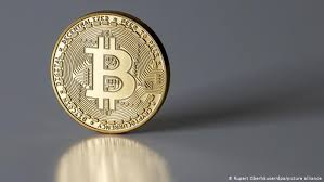 One hundred dollars, or 0.0101 bitcoins. Why Does Bitcoin Need More Energy Than Whole Countries Business Economy And Finance News From A German Perspective Dw 16 02 2021