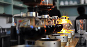 The upper part, shaped like a sphere, contains your coffee grounds, while the bottom part is your main container for water and coffee. The Best Siphon Coffee Makers Aka Vacuum Brewer