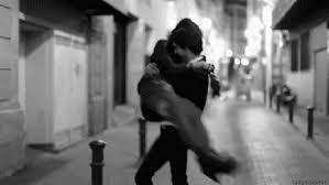 Romanticni gifovi - Page 7 Images?q=tbn:ANd9GcRyTE1zbfsDiHAVUYShDyyId96WpogRo_27tKVoFMhAeCUJlUyu
