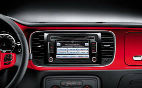 volkswagen beetle interior 2014. 2014 vw beetle features volkswagen interior