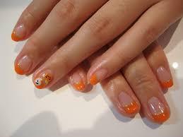 ハロウィン オレンジ色のネイルデザインまとめ仮装に抵抗あるなら
