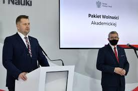 """Środowisko akademickie o """"pakiecie wolnościowym"""" Czarnka: otwarcie drzwi  fanatyzmowi i ksenofobii - Wiadomości"""