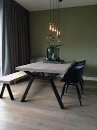 stalen onderstellen natural wood tableliving room