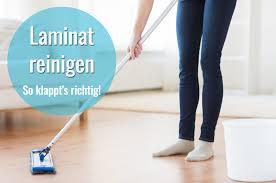Fliesen lassen sich leichter reinigen, da ihnen weder wasser noch häufiges reinigen mit schrubber und wischlappen etwas anhaben. Laminat Reinigen Die Besten Tipps Fur Glanz Ohne Streifen