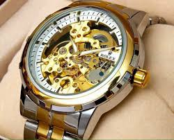 tips for buying men s watches watches have been a major part of the male s accessories men also like to look up kept and put together from cuff links to shoes to watches