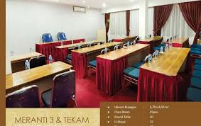 hotel borneo pontianak reviews and room rates ckhome lanky 008 dining table