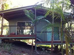 Treetop LodgingTreehouse Montville