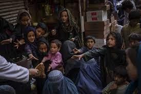 طالبان: البنات في أفغانستان سيعودن إلى المدارس قريبا - RT Arabic