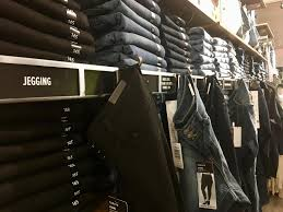 How The Clothing Industry Is Wooing Plus Size Customers Kjzz