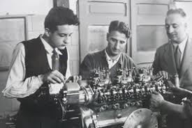 Technik Im Rennwagen 2 Ferrari Dino 246 Von 1958 Der Dino Saurier Rennwagen Zwischengas