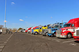 the daily rant the 43rd annual mid america trucking show comes to yesterday was the last day of the mid america trucking show on his way to the convention center ed took this picture of the papa john s parking lot