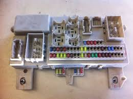 06 07 08 09 mazda 3 fuse relay junction box block r kick panel no international shipping available pasco auto wrecking inc only ships to us addresses in the lower 48 states unless otherwise specified in the