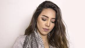 dana khedr shows you how to do a fresh makeup look for your ramadan gatherings