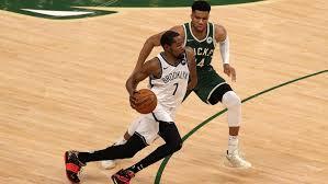 Nets @ Bucks (Spiel 3) Live Stream | Gratismonat Starten