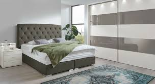 Schlafzimmer Mit Bettüberbau Motorscooterwallpaperga