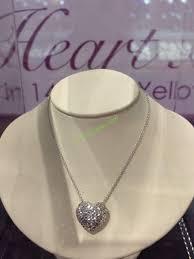 costco 1008649 14kt white gold diamond cut heart pendant1