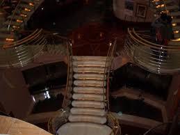 """Indem sie auf """"akzeptieren klicken, akzeptieren sie die verwendung aller cookies und ihrer informationen für die oben genannten zwecke. Bild Treppe Zum Theater Zu Navigator Of The Seas In"""