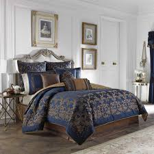 pretty looking navy blue king size comforter 32