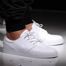 anonymous tue mar 24 09 09 19 2016 no 9609867 reply original why do s insist that all white shoes are nurse