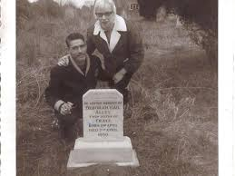 Kelly: Iowa man finds long-lost grave of sister who died as a baby ...
