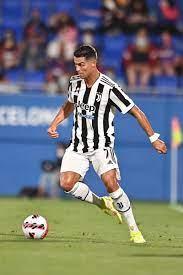 Cristiano Ronaldo (@Cristiano)