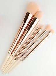 hakuhodo sephora pro brushes makeup brush sephora collection glitter happy brush set makeup review