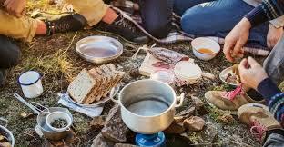 6 Alat Masak Camping yang Wajib Dibawa Saat Mendaki Gunung - Sportivitas.Net