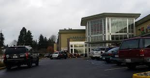 lynnwood police responded to the chase bank inside fred meyer on 196th street southwest