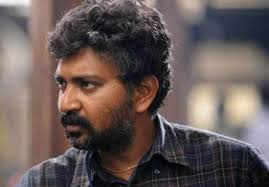 Currently War scenes are progressing with 2000 artists taking part along with Anushka, Rana and Prabhas. Rajamouli has planned to shoot this war sequence in ... - rajmouli-bhu647x450