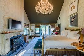 the 25 acre 8 000 square foot property consists of six bedrooms