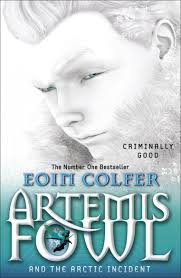 artemis fowl and the arctic incident amazon co uk eoin colfer 9780141339108 books