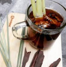 1 rimpang jahe 1 buah sereh 1 buah gula jawa kecil 700 ml air. Hujan Hujan Enaknya Minum Wedang Jahe Gula Merah Badan Langsung Hangat Okezone Lifestyle