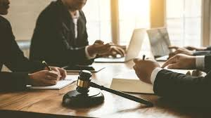 Differences Between A Lawyer, A Solicitor & A Barrister | Slater + Gordon