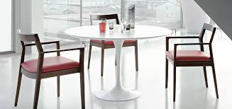 saarinen dining table white