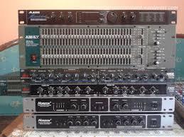sound system kit. sound system (rakitan dan built up) diantaranya tone control, parametric pre amp bell, audio processor, equalizer. dengan menggunakan kit yang