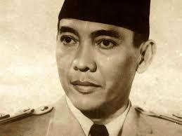 Suatu hari, pada sekitar bulan Juli 1965, Bung Karno berdialog dengan Syekh Kadirun Yahya, anggota dewan kurator seksi ilmiah Universitas Sumatra Utara ... - ea820-katakatamutiarabijakbungkarno