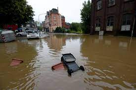 Heavy flooding prompts chaos in Germany ...
