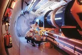Un trozo de pan provoca un cortocircuito en la 'máquina del Big Bang' |  Ciencia | elmundo.es